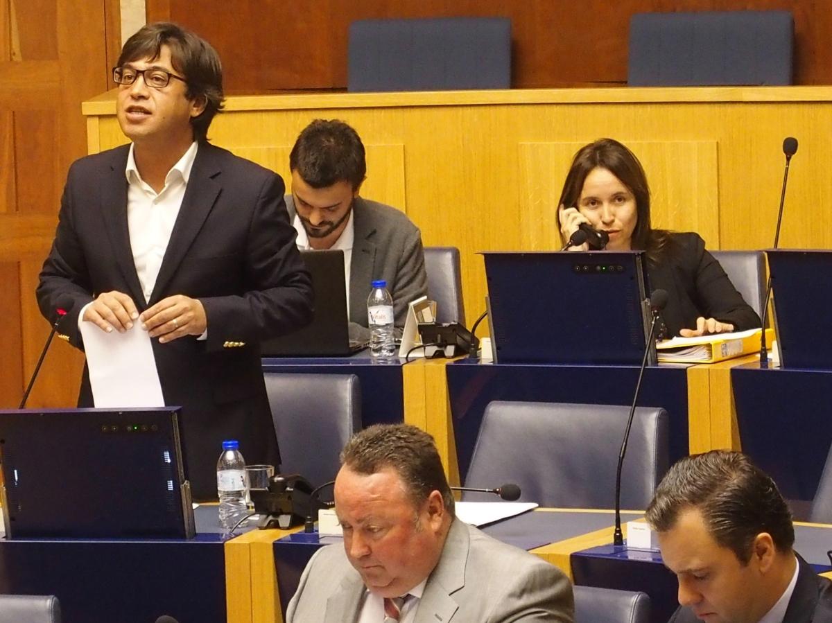 Victor Freitas ou Avelino Conceição na liderança da bancada parlamentar do PS-M