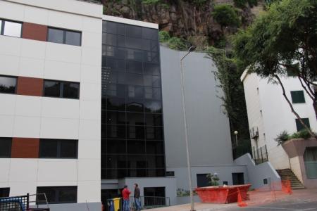 Foto: Fabíola Sousa. -Edifício Centro de Saúde de Câmara de Lobos