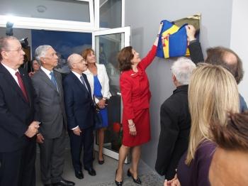 Rainha da Suécia descerrou placa alusiva à inauguração das novas instalações do Hospício