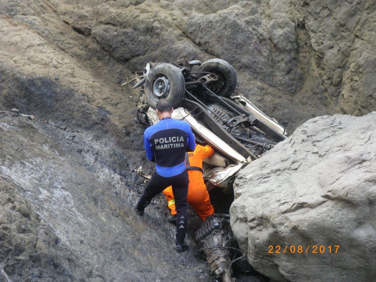 Capitania dá conta das operações de remoção do corpo da vítima da queda da Fonte da Areia
