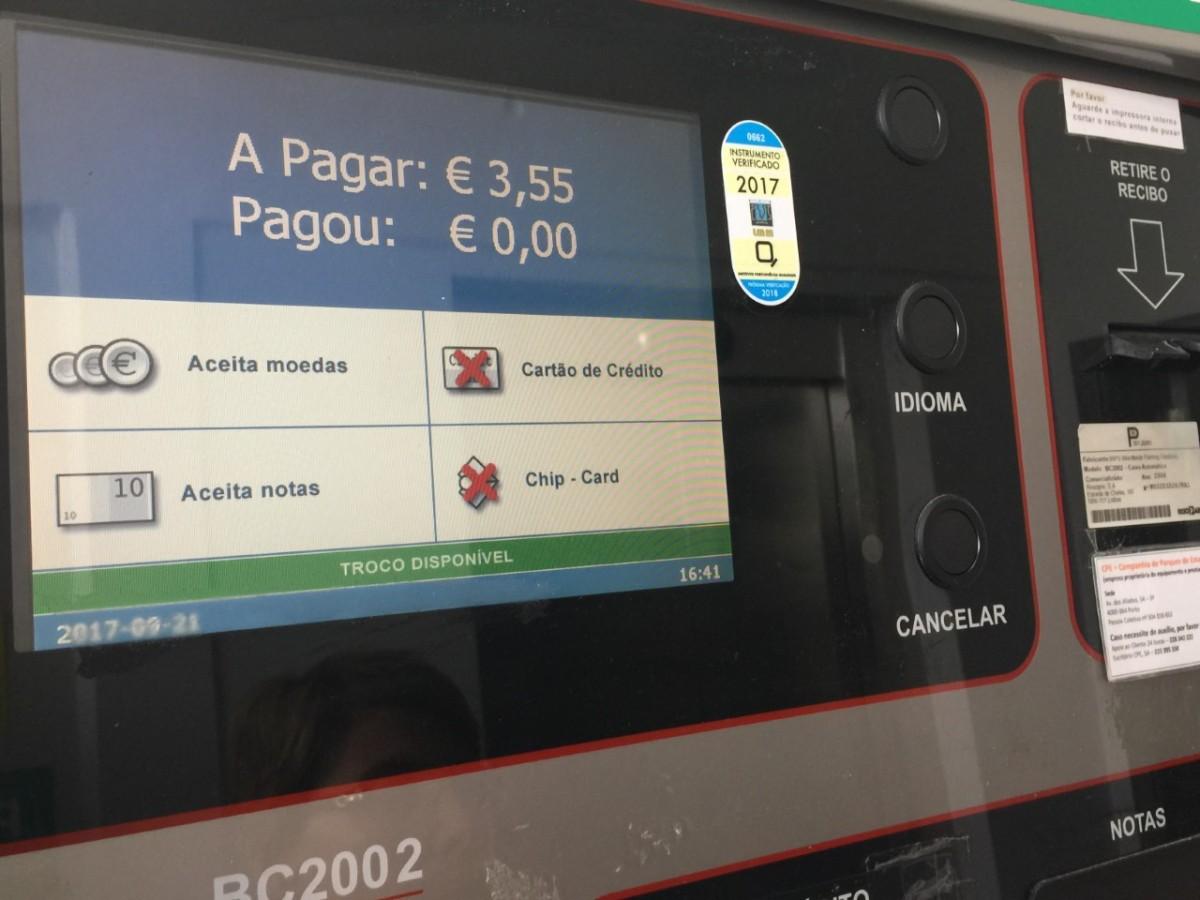 Parque do hospital continua a escaldar os utentes: cerca de 90 minutos custa 3,55 euros