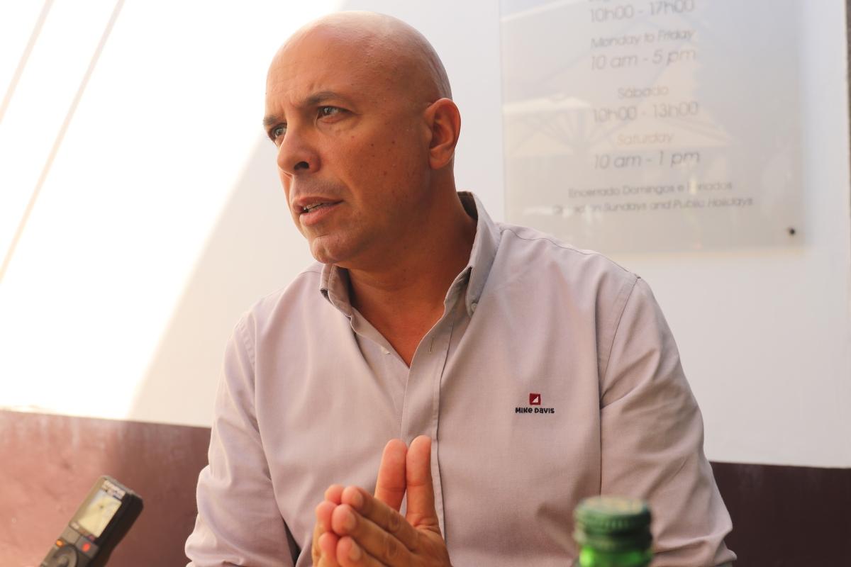 """Cafôfo pede maioria absoluta no Funchal e diz que foi """"encontrando esqueletos nos armários da Câmara"""", com """"dívida"""" e """"situação de falência"""""""