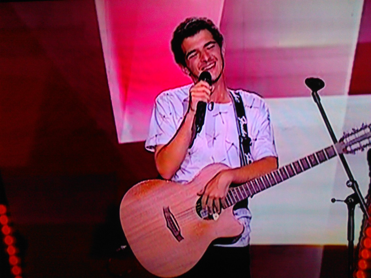 """Madeirense Tiago Silva passa à fase seguinte do """"The Voice"""" tendo Mickael Carreira como mentor"""
