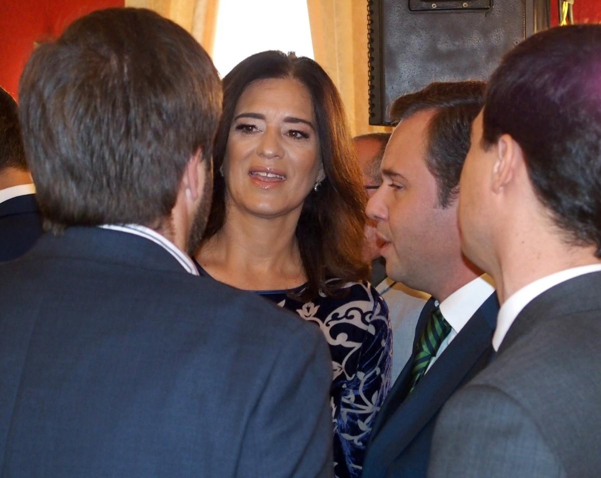 Passos Perdidos no Largo do Município com Rubina a comandar o PSD até à vitória