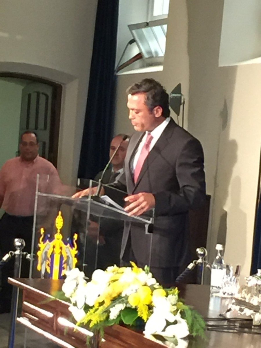 Pedro Calado cita o poeta Pessoa e anuncia revisão de estratégia com críticas ao governo central