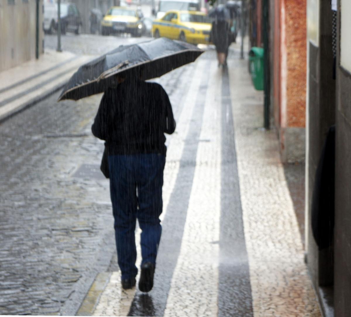 Madeira deverá ser atingida por fortes valores de pluviosidade a partir de domingo, com maior incidência na terça-feira