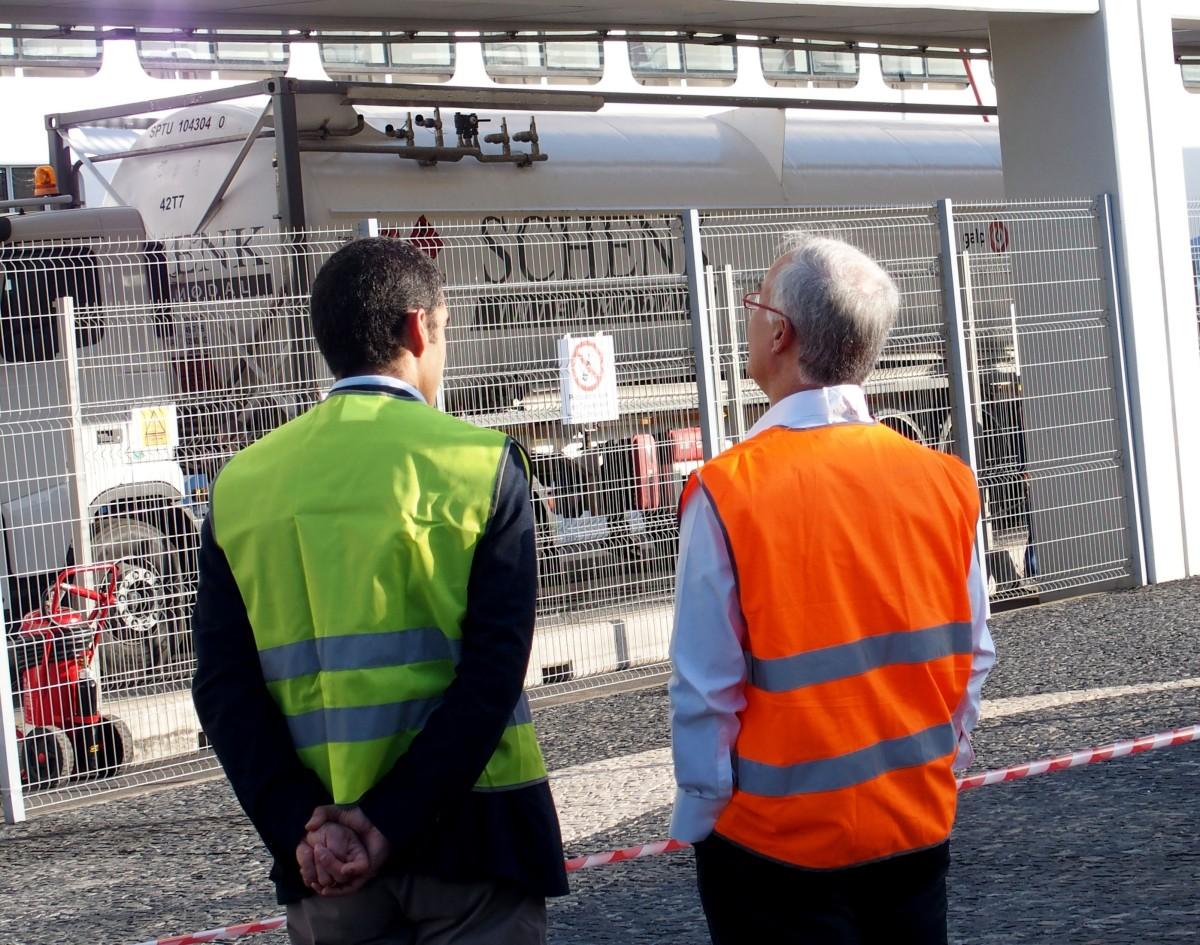Operação de Abastecimento de Gás Natural leva a protestos de taxistas no porto do Funchal