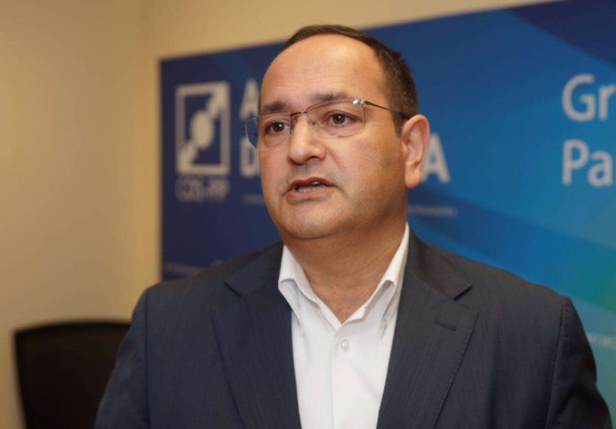 """Lopes da Fonseca retira legitimidade à concelhia do Funchal e abre uma """"guerra"""" com o secretário-geral do CDS/PP M"""