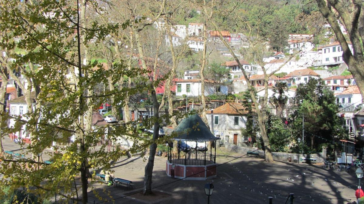Abaixo-assinado pela segurança do Largo da Fonte a quatro meses do arraial