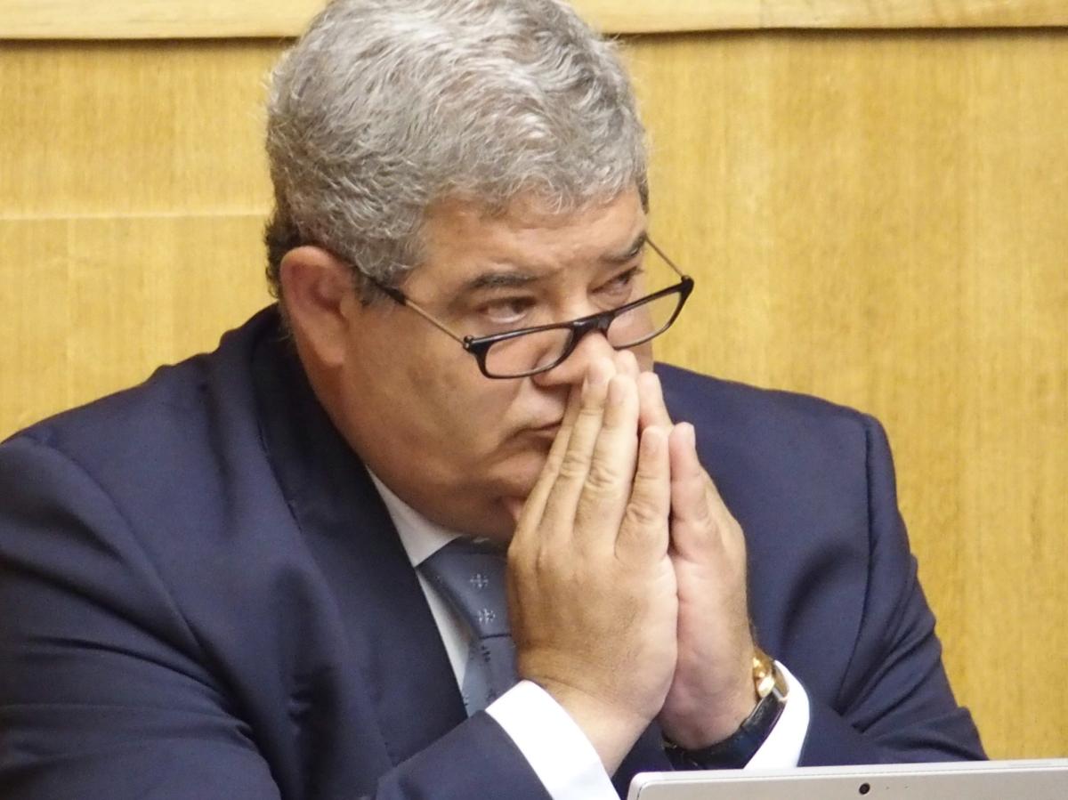 Protecção Civil da Madeira assina protocolo com o Grupo Sousa; Pedro Ramos queixa-se de notícias sobre falta de medicamentos