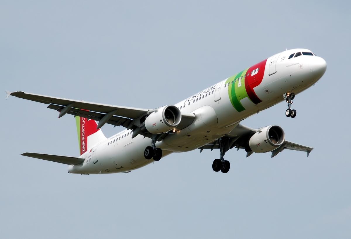 Passageiros que reservaram há meses para 1 e 2 de janeiro confrontados pela TAP com propostas de alteração dos voos