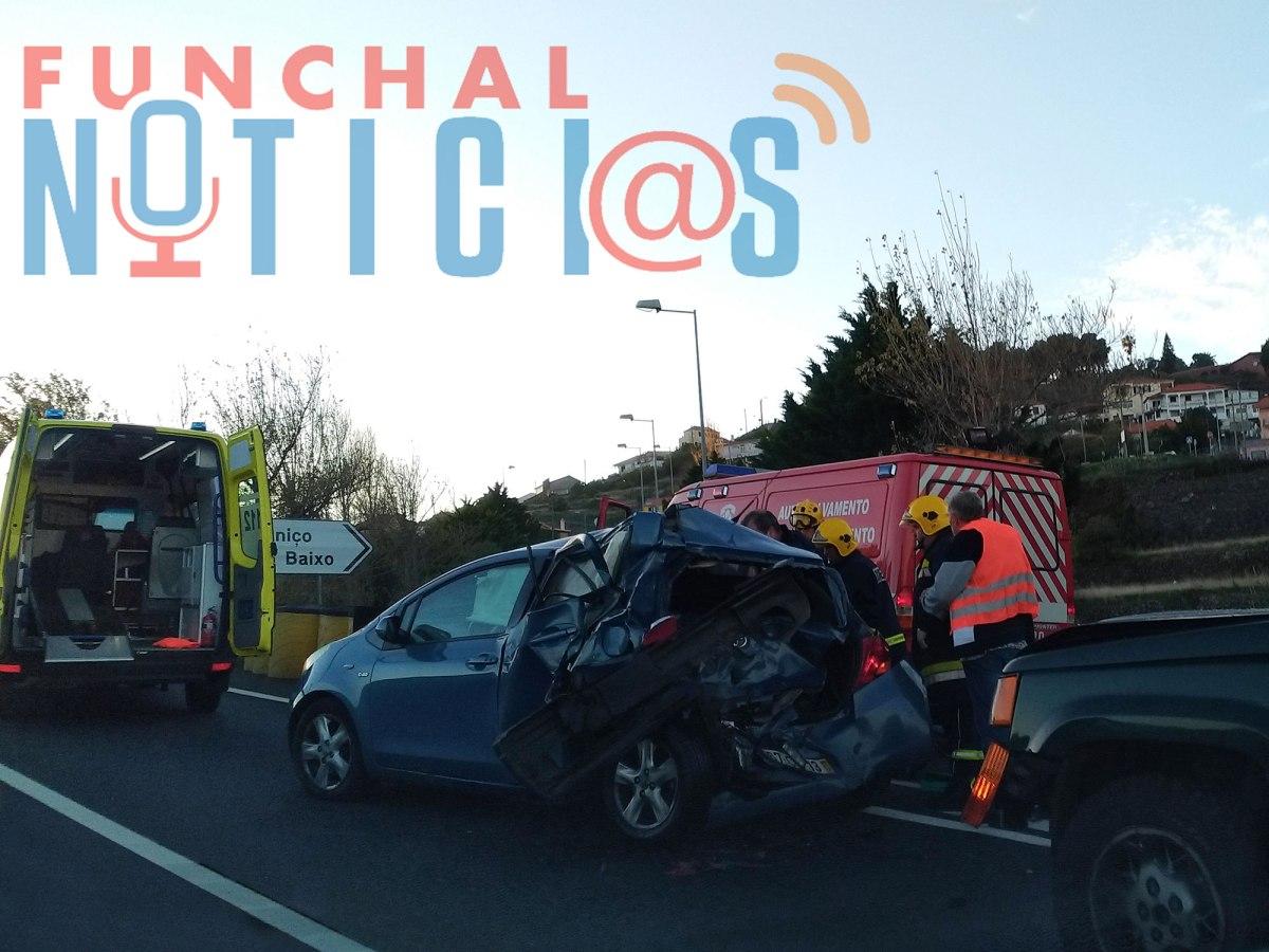 Veja aqui imagens do acidente de hoje na via rápida perto da saída para o Caniço de Baixo