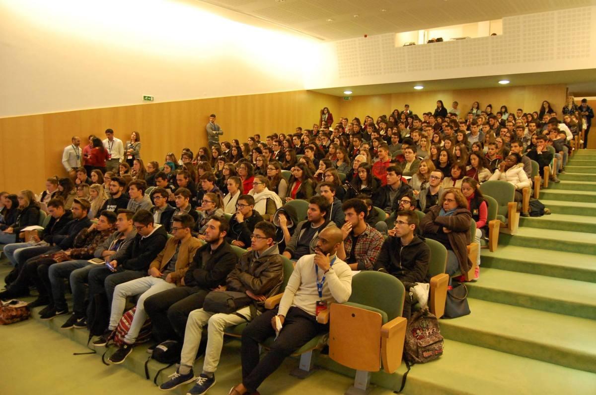 Iniciativa no Madeira Tecnopólo para jovens que querem estudar no Reino Unido