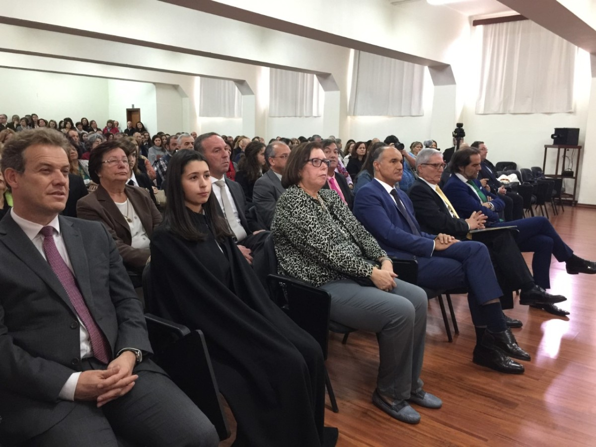 """Grupo Sousa, Santander e Leya atribuem prémios aos melhores alunos do """"Liceu"""" no """"Dia da Escola"""""""