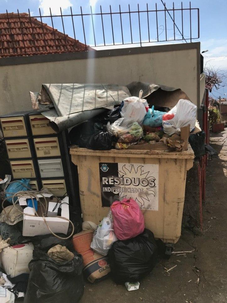Lixo Ponta do Sol B