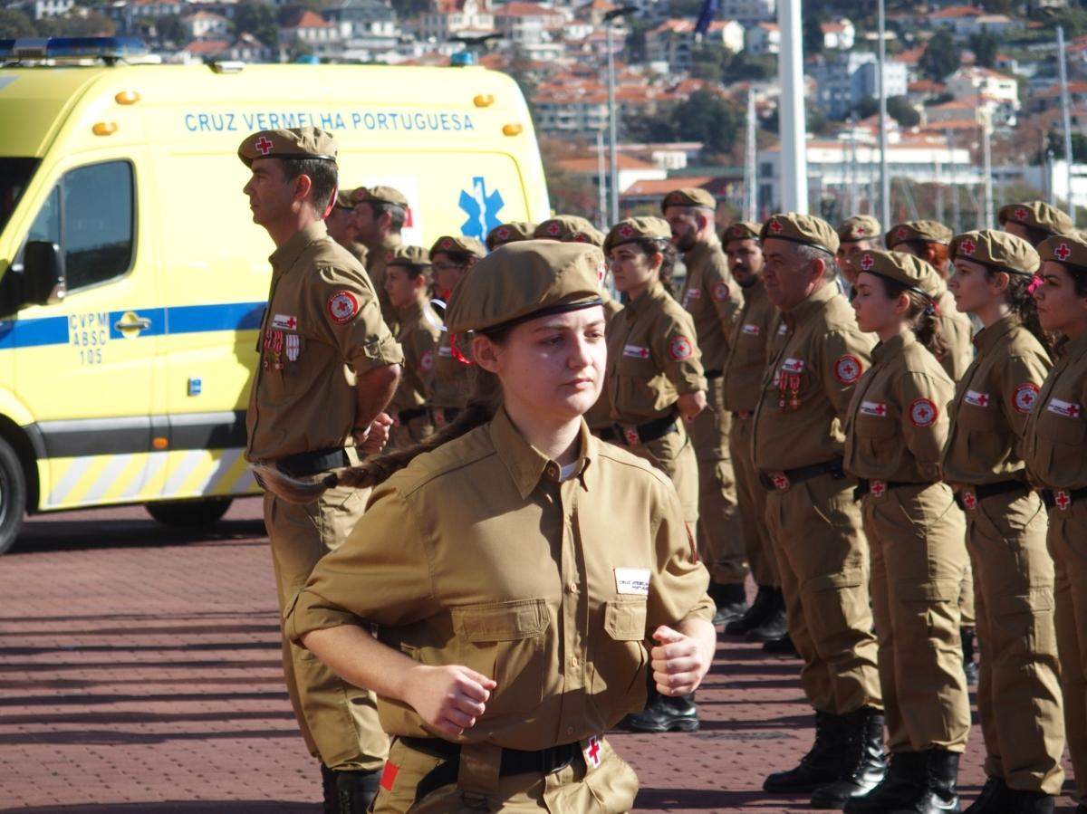 39 novos elementos da Cruz Vermelha Portuguesa afirmaram hoje o seu compromisso; jovens falam da experiência ao FN