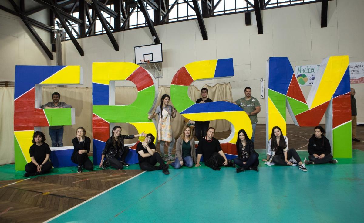 "Escola de Machico desafiou alunos a ""sentir as artes"""
