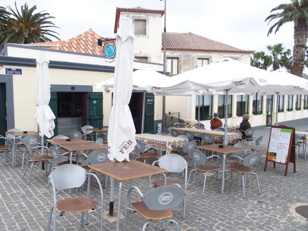 Fim-de-semana no Porto Santo, estabelecimentos sem clientes; proprietários desesperam