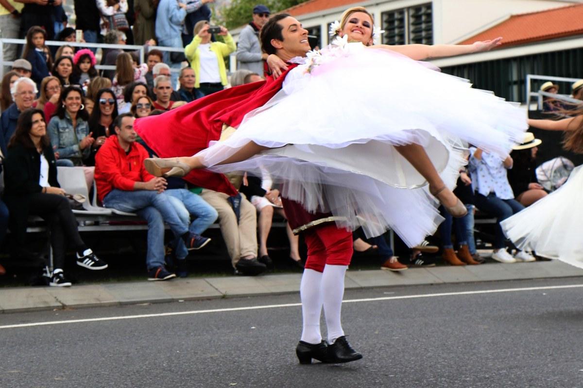 Veja mais fotos do cortejo da Festa da Flor
