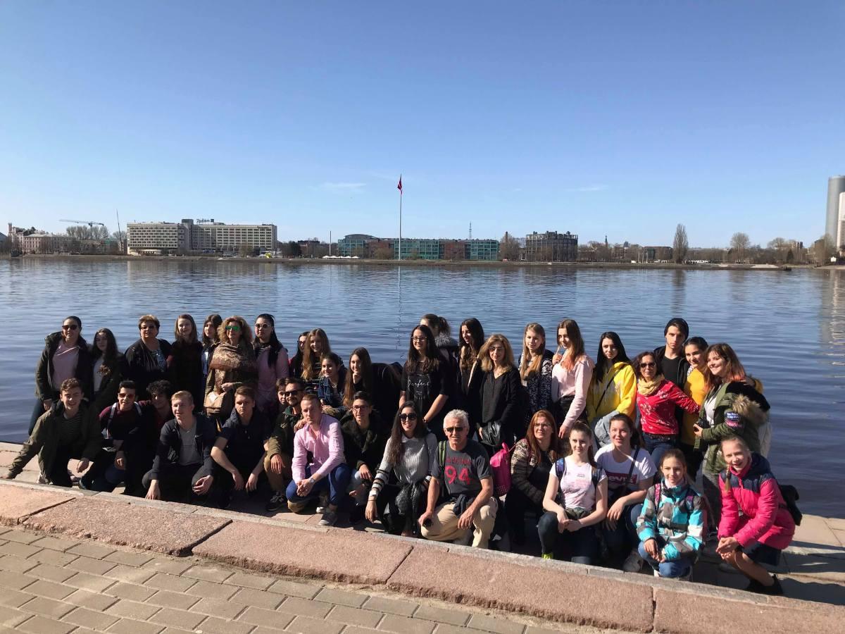 Escola Básica e Secundária de Machico na Letónia