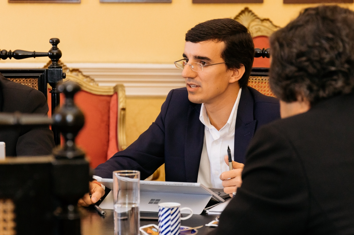 Funchal poupa meio milhão com empréstimo e vereador esclarece que requisitos para arraiais é da lei que já existe
